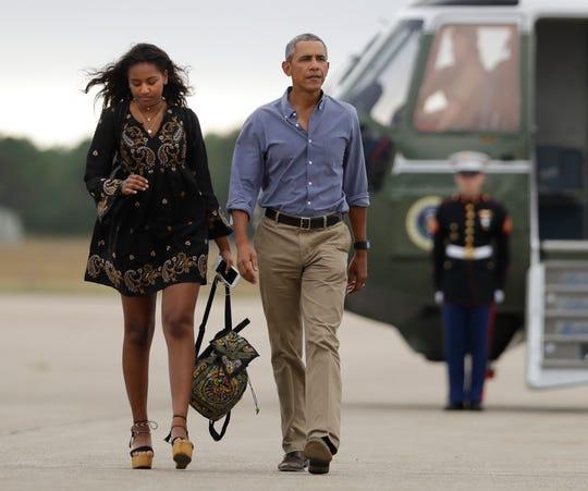 The moment Sasha Obama was escorted to the University